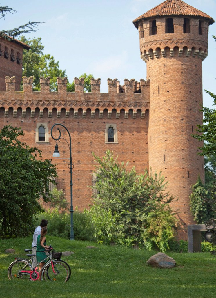 Stock Photo: 1589R-172146 Caucasian couple looking at Italian tower