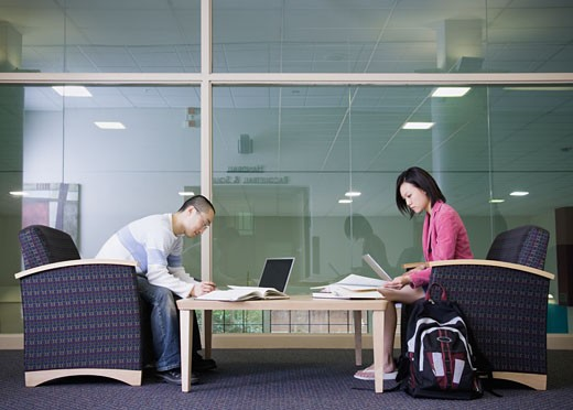 Stock Photo: 1589R-26360 Male and female students studying