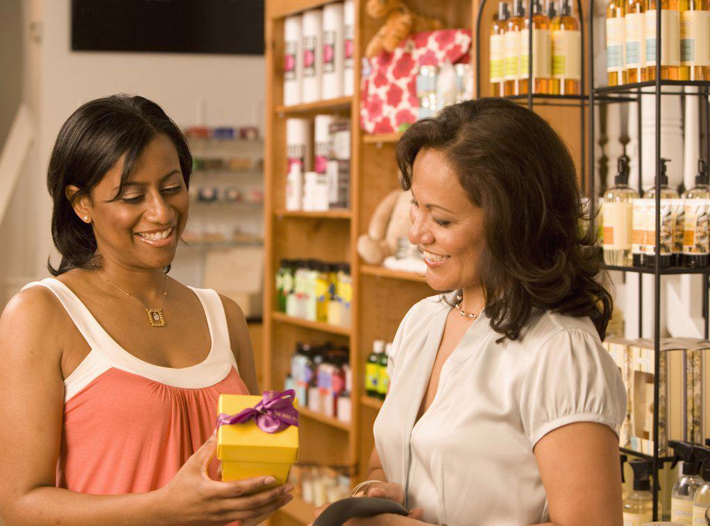 Stock Photo: 1589R-45581 Multi-ethnic women shopping