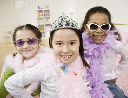 Stock Photo: 1589R-58641 Multi-ethnic girls playing dress up