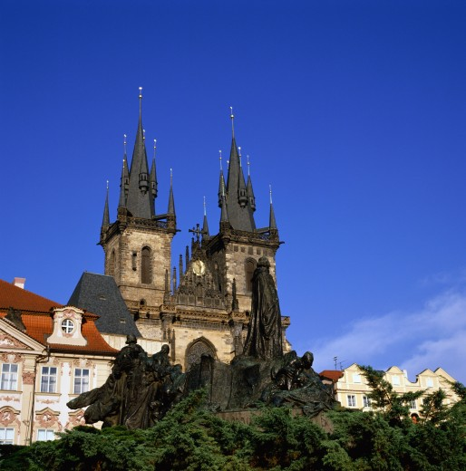 Monument in front of a church, Jan Hus Monument, Tyn Church, Prague, Czech Republic : Stock Photo