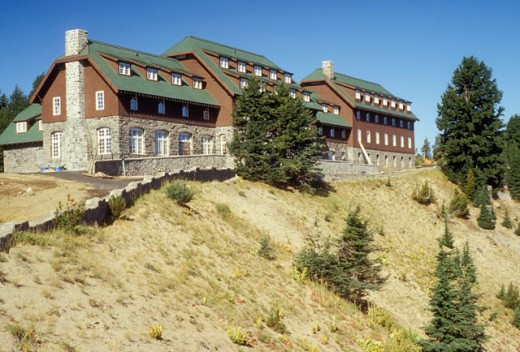 Stock Photo: 1596-284 Buildings on a hill, Crater Lake Lodge, Crater Lake National Park, Oregon, USA