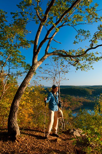Stock Photo: 1596-2945 USA, Connecticut, New England National Scenic Trail, Hiker on Bluff Head ridge along Mattabesett Trail