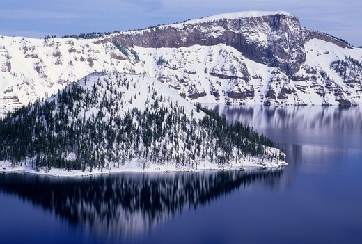 Island in a lake, Wizard Island, Crater Lake, Crater Lake National Park, Oregon, USA : Stock Photo
