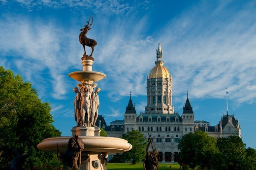 Corning Fountain with Connecticut State Capitol in the background, Bushnell Park, Hartford, Hartford County, Connecticut, USA : Stock Photo