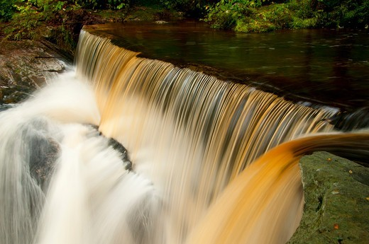 Stock Photo: 1596-3479 USA, Connecticut, Enders State Forest, Waterfall on Enders Brook
