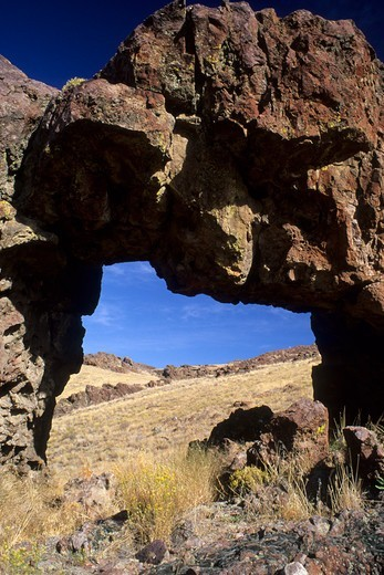 Stock Photo: 1596-3561 Natural arch, Succor Creek State Park, Oregon, USA