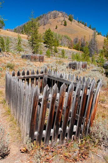 USA, Idaho, Salmon-Challis National Forest, Bonanza Ghost Town cemetery, Land of Yankee Fork Historic Area, Custer Motorway : Stock Photo