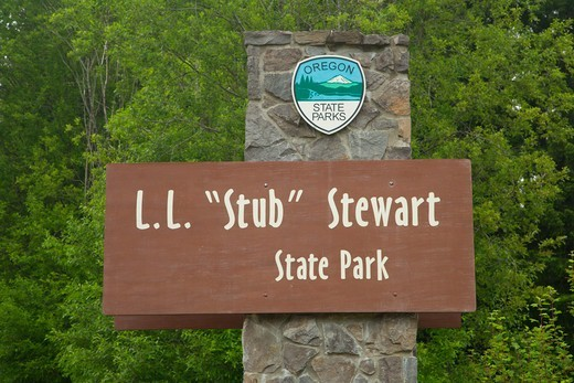 Stock Photo: 1596-3871 Entrance sign, Stub Stewart State Park, Oregon, USA