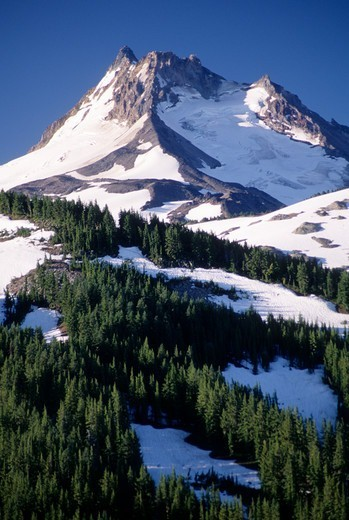 Mt Jefferson from Pyramid Peak, Mt Jefferson Wilderness, Mt Hood National Park, Portland, Oregon, USA : Stock Photo