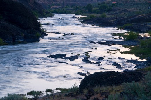 USA, Oregon, Prineville District, Deschutes River at dawn : Stock Photo
