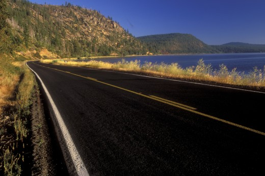 Road along a lake, Upper Klamath Lake, Volcanic Legacy Scenic Byway, Klamath County, Oregon, USA : Stock Photo