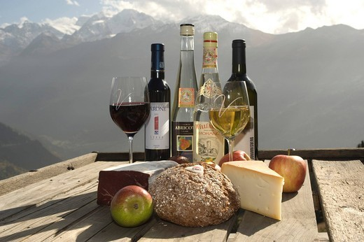 Verbier, Switzerland, Valais, agrotourism, agriculture, food, eating, traditional, cheese, dry meat, dry, dehydrated, meat, appl : Stock Photo