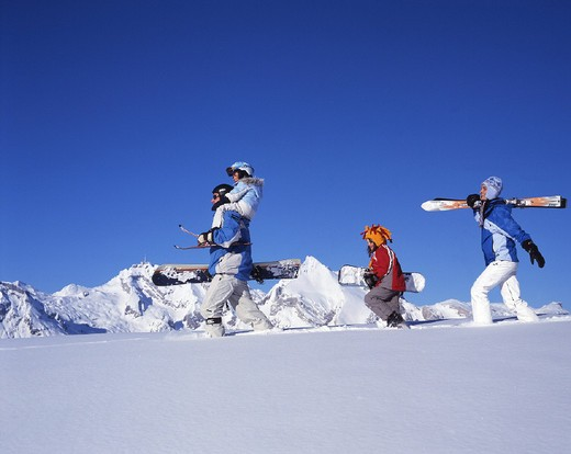 being, canton St. Gallen, Carving, chat, deep, family, fresh, going, holidays, mountains, ski, snow, snowboard, snow : Stock Photo