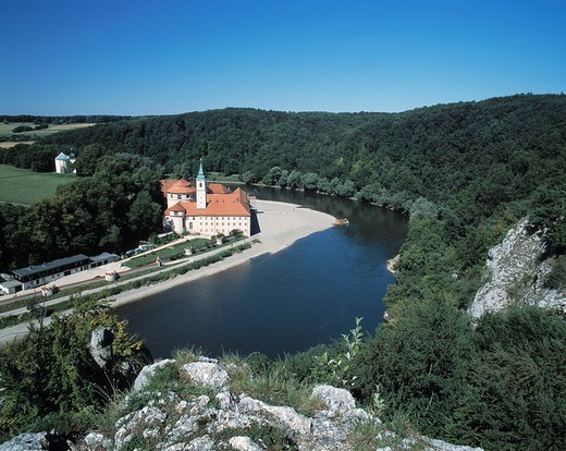 Stock Photo: 1597-111738 Danube scenery, river scenery, chapel on, mountain Fraun, cloister world castle in the riverside, Danube, Kelheim_Welt
