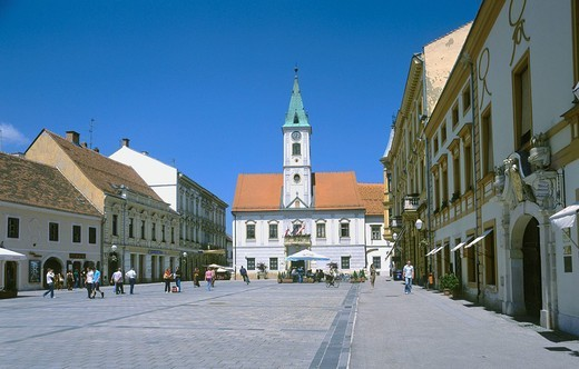 Stock Photo: 1597-113303 Croatia, Europe, Varazdin, square, townhall, cityscape, architecture, Kralja Tomislave, old town