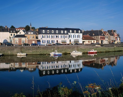 St Valery sur Somme, saint, Valery, sur, Somme, River Somme, river, Picardy, France, Europe, EU, European, travel, hol : Stock Photo