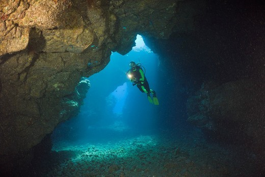 Stock Photo: 1597-120009 Diver, Caves, Lava Tubes, Hawaii, USA, Cathedrals,
