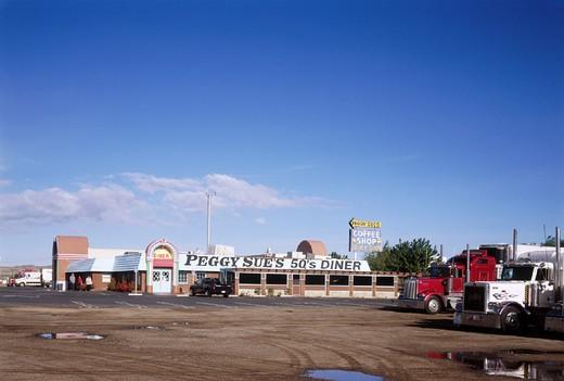 10643174, Barstow, California, California, Food, outside, restaurant, inn, lifestyle, Peggy Sue´´s luncheon, dinner, USA, Amer : Stock Photo