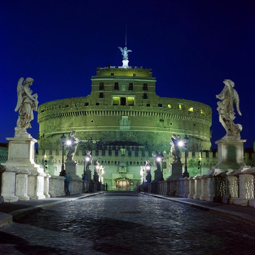 Stock Photo: 1597-123491 Rome, Italy, Europe, angel, castle, angel bridge, at night, night, castle, bridge, statues, lighting, night, persons,