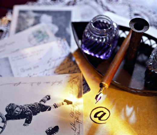 old, antique, letter, letter friendship, detailed admission, E mail, email, contrast, opposition, information, Inter : Stock Photo