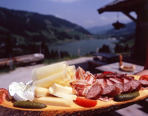 sausage, cheese, sheet, record, cheeseboard, meat platter, sausage sheet, picnic, catering, restaurant, catering, food : Stock Photo