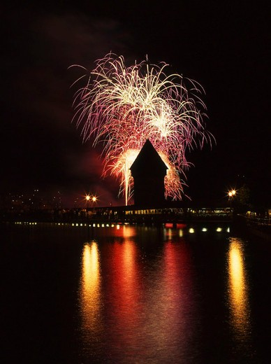 Stock Photo: 1597-130152 Lucerne, town, city, Kapellbrucke, Brucke, chapel bridge, lake night party, fireworks, lake, arrangement, at night, ni