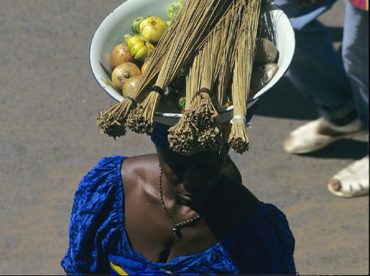 Stock Photo: 1597-132122 Africa, bowl, carry, carrying, Gambia, head, market, no model release, Serekunda, shell, trade, vegetable, woman