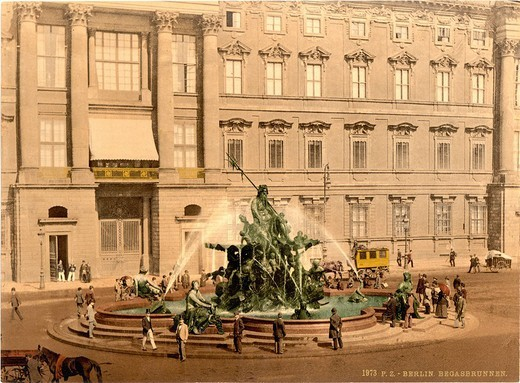Berlin, Neptune Fountain, Royal Palace, Germany, Europe, Photochrom, about 1900, German Empire, history, historical, h : Stock Photo