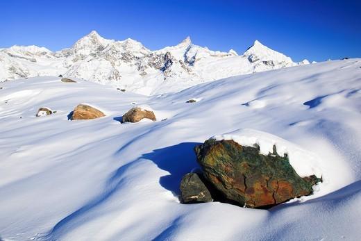 Stock Photo: 1597-132545 Schweizer Alpen, Obergabelhorn _ 4063 m, Zinalrothorn _ 4221m, Weisshorn _ 4505 m Wallis, Schweiz
