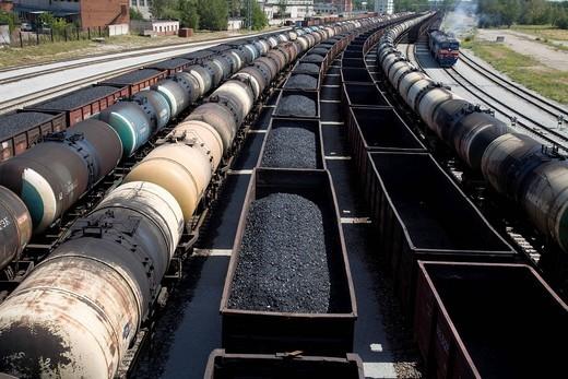 Stock Photo: 1597-133365 Baltic States, energy, Estonia, Eu border, Europe, good, freight depot, freight train, coal, dough, Narva, oil, tanker, lorry, t