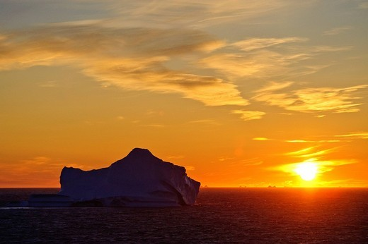 Greenland, Europe, Baffin Bay, Arctic Ocean, west coast, scenery, sea, icebergs, sundown, mood : Stock Photo