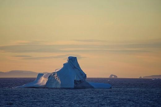 Greenland, Europe, Arctic Ocean, north, icebergs, ice, swimming, mood, dusk, twilight, scenery : Stock Photo