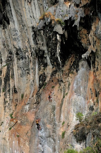 Stock Photo: 1597-136286 Climbers, Railay East Beach, near Krabi, Andaman Sea, Thailand, Asia, rocks