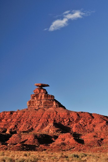 Mexican hat, Rock, Mexican, Colorado Plateau, Utah, USA, United States, America, red : Stock Photo