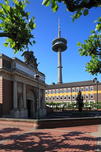 Germany, Europe, Wesel, Rhine, Lower Rhine, North Rhine_Westphalia, Berliner gate place, Berlin gate, town gate, baroque, television tower, distant telecommunication tower, long Heinrich : Stock Photo
