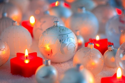 Stock Photo: 1597-138383 Christmas, ball, tree, decorations, decoration, adornment, glitter, candles, ball, sphere, pattern, close_up, jewellery, snow, star, star tea lights, mood, tea lights, Christmas decoration, Christmas, Christmas ball, Christmas decoration, Christmas mood,. Christmas, ball, tree, decorations, decoration, adornment, glitter, candles, ball, sphere, pattern, close_up, jewellery, snow, star, star tea lights, mood, tea lights, Christmas decoration, Christmas, Christmas ball, Christmas decoration, Chris