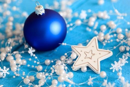 Stock Photo: 1597-141075 Christmas tree ball, glitter, Christmas tree decorations, decoration, adornment, glitter, wood, ball, sphere, close_up, jewellery, star, to stars, star tea lights, mood, tea lights, decoration, Christmas, Christmas ball, Christmas decoration, Christmas mo. Christmas tree ball, glitter, Christmas tree decorations, decoration, adornment, glitter, wood, ball, sphere, close_up, jewellery, star, to stars, star tea lights, mood, tea lights, decoration, Christmas, Christmas ball, Christmas decoration,