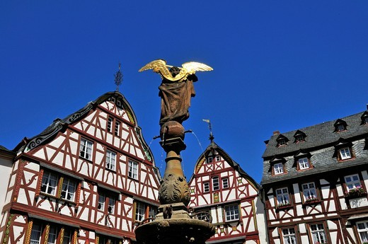Old Town, architecture, Bernkastel, wells, well, figure, Christianity, Germany, Europe, half_timbered houses, figure, saint, marketplace, Michael, Michael´s wells, sandstone, column, Saint Michael, patron saint, sword, Renaissance, town patron : Stock Photo