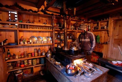 Himalaya, Annapurna, Nepal, Asia, Annapurna Circuit, Trekking, Trek, Stupa, Thorung La, Thorung Pass, Mukinath, family hotel, kitchen, cooking, fire, Sherpa, romantic, Pokhara : Stock Photo