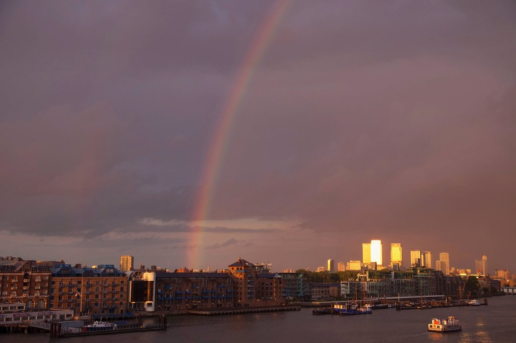 Stock Photo: 1597-148873 UK, United Kingdom, Europe, Great Britain, Britain, England, London, Docklands, Canary Wharf, Docklands Skyline, Skyscrapers, Office Block, Business, Commerce, Financial District, Financial Centre, Architecture, River Thames, Thames, River, Moody, Rainbow. UK, United Kingdom, Europe, Great Britain, Britain, England, London, Docklands, Canary Wharf, Docklands Skyline, Skyscrapers, Office Block, Business, Commerce, Financial District, Financial Centre, Architecture, River Thames, Thames, River, Mo
