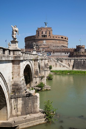 Stock Photo: 1597-149376 Europe, Italy, Rome, Castel Sant´Angelo, Castel S´Angelo, Saint Angelo Castle, Castle, Sant´ Angelo Bridge, Ponte S´Angelo, Bridge, Tiber River, River, Tourism, Holiday, Vacation