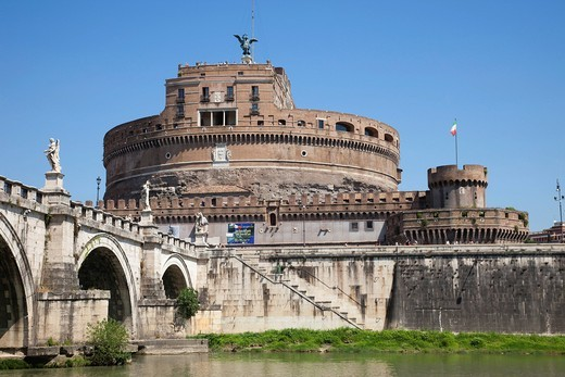 Stock Photo: 1597-151509 Europe, Italy, Rome, Castel Sant´Angelo, Castel S´Angelo, Saint Angelo Castle, Castle, Sant´ Angelo Bridge, Ponte S´Angelo, Bridge, Tiber River, River, Tourism, Holiday, Vacation