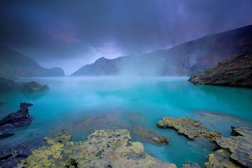 Ijen, Indonesia, Asia, Java, volcano, volcanism, geology, crater, crater lake, lake, daybreak, fog, sulphur, steam, sulphur, deposition : Stock Photo