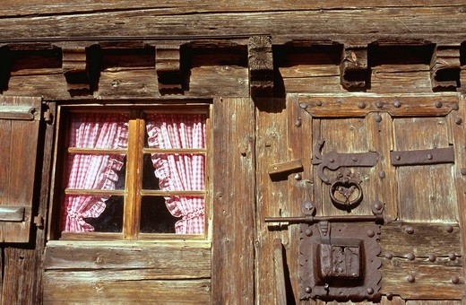 Switzerland, Europe, Vaud, Pays d´Enhaut, Rougemont, chalet, door, window, detail, wooden : Stock Photo