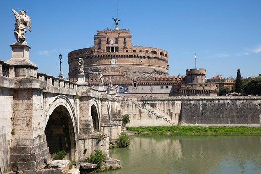 Stock Photo: 1597-153862 Europe, Italy, Rome, Castel Sant´Angelo, Castel S´Angelo, Saint Angelo Castle, Castle, Sant´ Angelo Bridge, Ponte S´Angelo, Bridge, Tiber River, River, Tourism, Holiday, Vacation