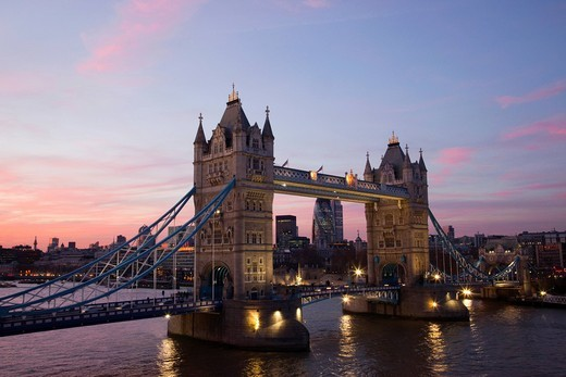 UK, United Kingdom, Great Britain, Britain, England, London, Tower Bridge, Thames River, River Thames, Landmark, Bridge, Bridges, Night View, Night Lights, Illumination, Moody, Tourism, Travel, Holiday, Vacation : Stock Photo
