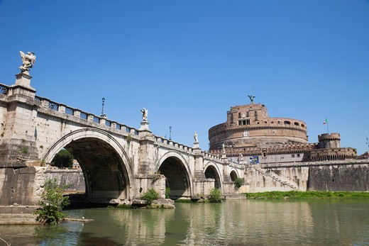 Stock Photo: 1597-155435 Europe, Italy, Rome, Castel Sant´Angelo, Castel S´Angelo, Saint Angelo Castle, Castle, Sant´ Angelo Bridge, Ponte S´Angelo, Bridge, Tiber River, River, Tourism, Holiday, Vacation