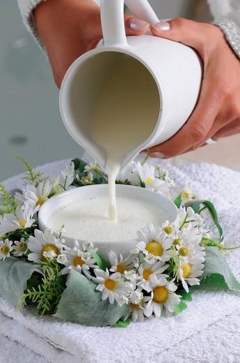 Stock Photo: 1597-155905 Natural makeup, healthy, food, nutrition, bio, health, women, humor, vegetarian, graze, herbs, grass, herbivore