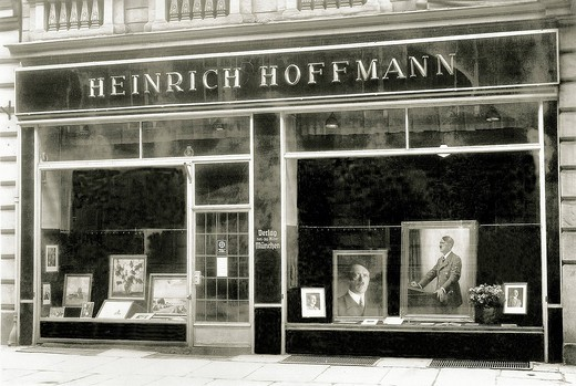 Stock Photo: 1597-155972 War, Europe, world war II, Nazi, National Socialist, Europe, world war, Heinrich Hoffmann, business, trade, shop_window, Hitler, Adolf Hitler, leader, Fuhrer, photo studio, Germany, Munich